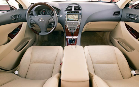 2011 lexus es350 time tested comfort in a luxury sedan. Black Bedroom Furniture Sets. Home Design Ideas