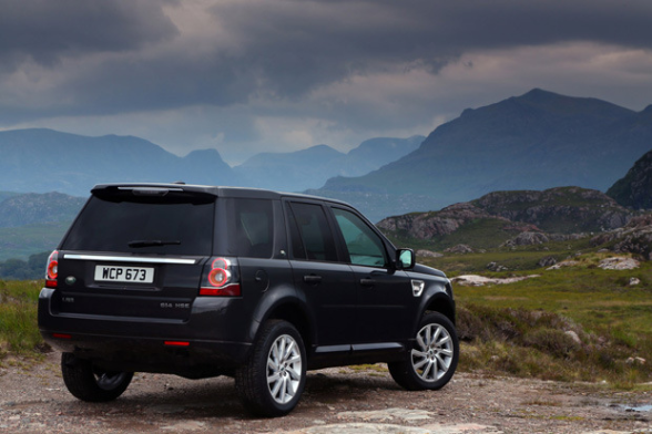 2013-Land-Rover-LR2-rear-black-view-LuxuryDiscovery.com_