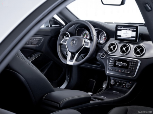 2014-Mercedes-Benz-CLA-class_interior_LuxuryDiscovery.com_