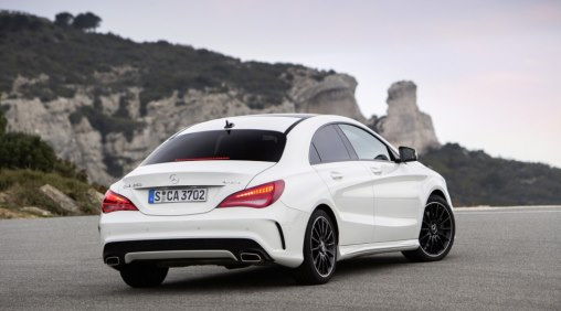 2014-Mercedes-Benz-CLA-rear-side-view_LuxuryDiscovery.com_