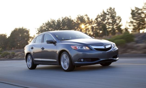 2014-Acura-ILX-front-angle-view-grey_LuxuryDiscovery.com_