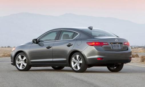 2014-Acura-ilx_back-side-view-grey_LuxuryDiscovery.com_