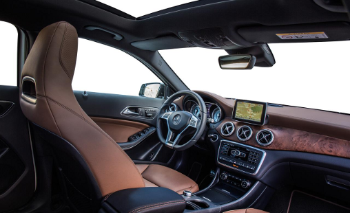 2015-Mercedes-Benz-GLA-250-4matic-interior-matte-wood-dashboard