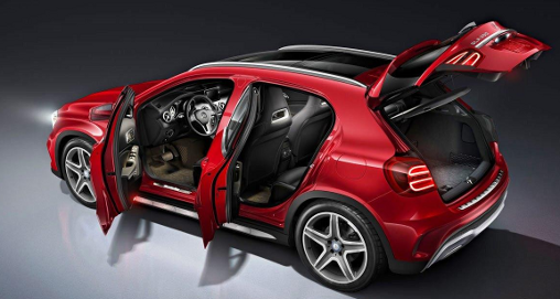 2015-Mercedes-Benz-GLA-CLASS-GLA250-Red-hatch-doors-open_LuxuryDiscovery.com_