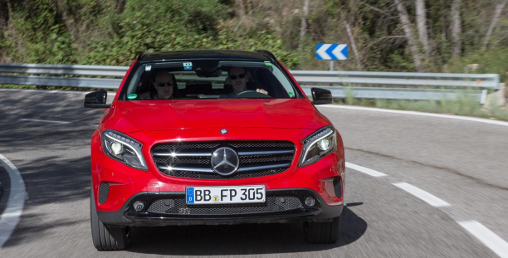 2015-Red-Mercedes-Benz-GLA-front-view